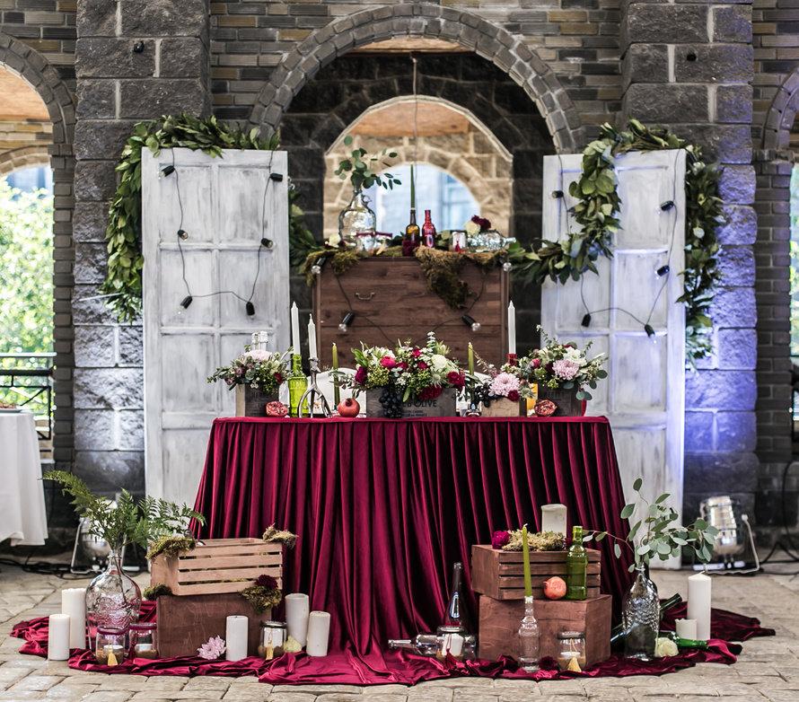 Декор свадьбы цвета марсала
