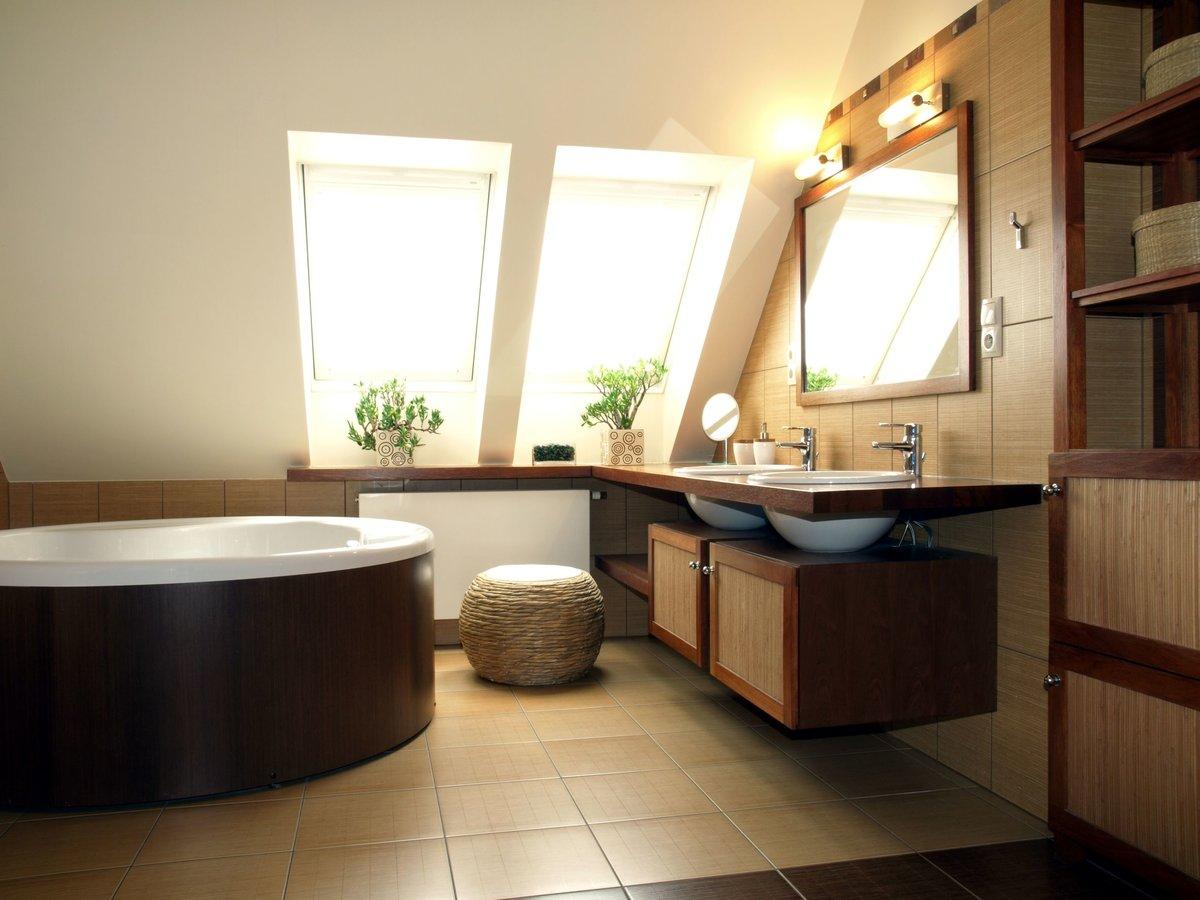 Дизайны ванных в мансарде