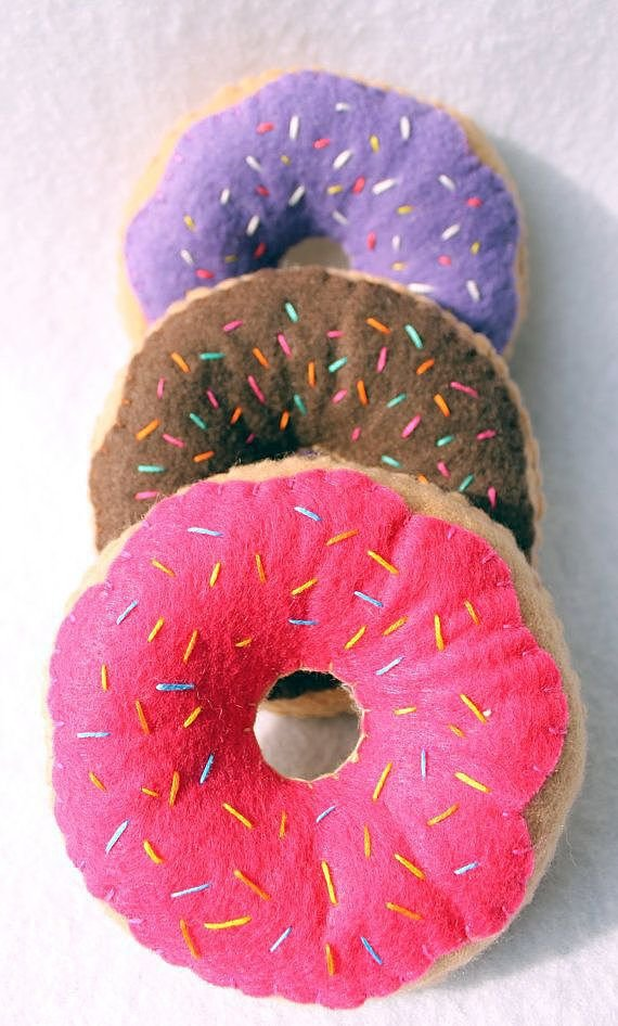 Гирлянда из пончиков своими руками