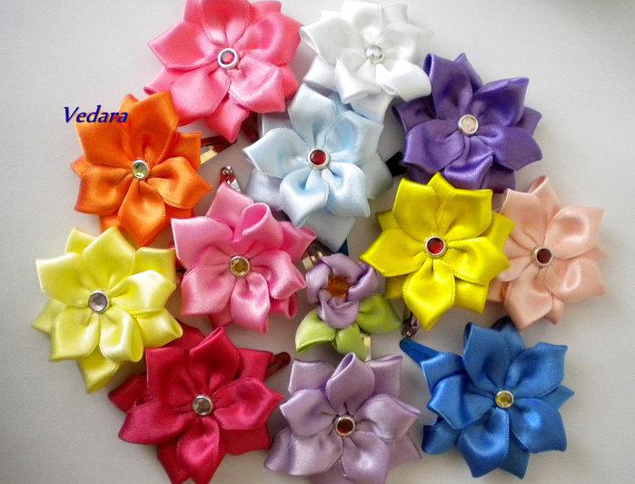 Как сделать цветок из атласных лент для заколки