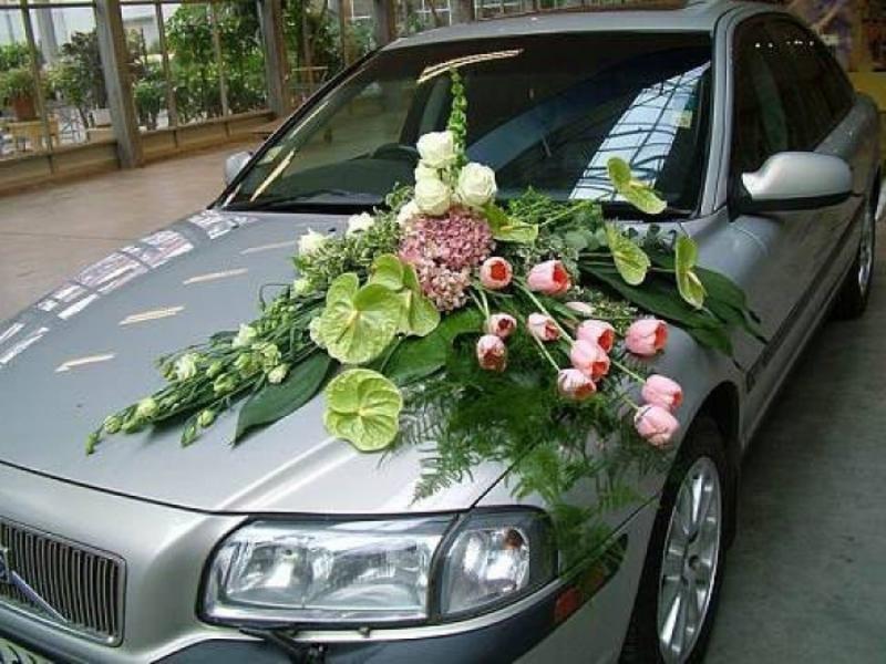 Украшение машин цветами с своими руками