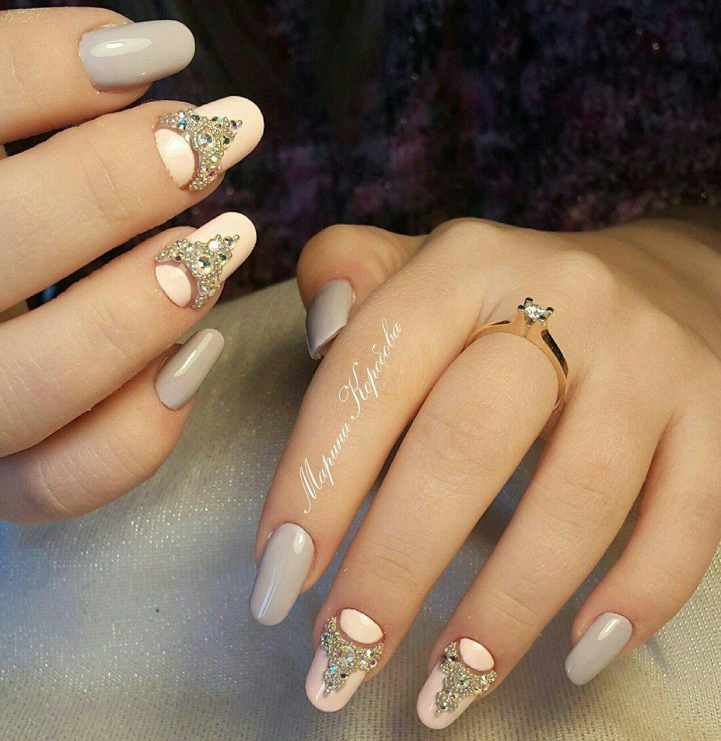 Дизайн короны на ногтях фото