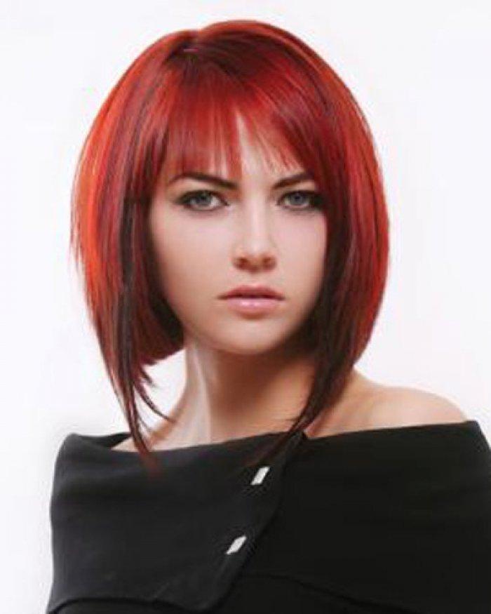 Причёска с красными прядями