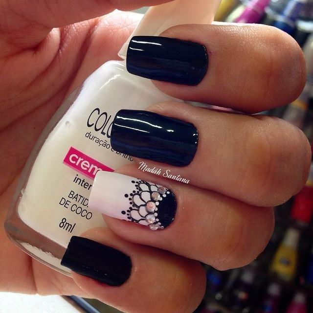 Темные узоры на ногтях