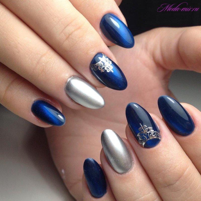 Маникюр синий с серебристым фото