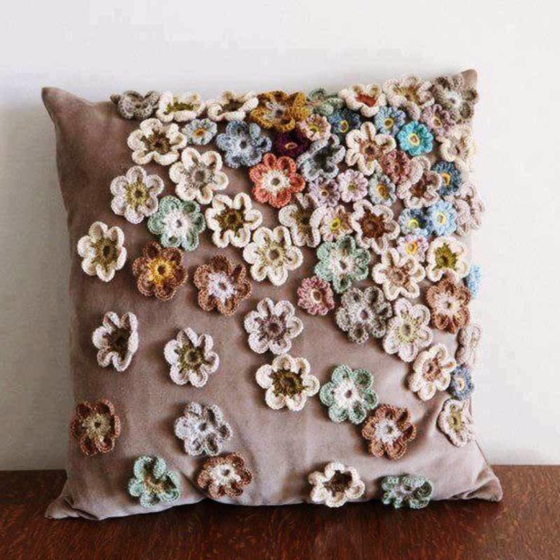 Декор подушек цветами своими руками 76