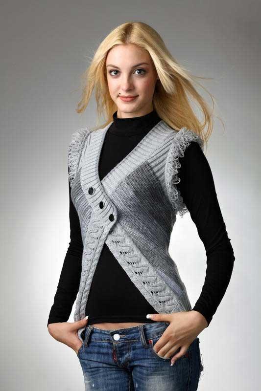 Модные вязаные жилетки 2017 своими руками