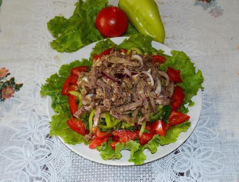 Рецепт вкусного мясного салата из говядины с