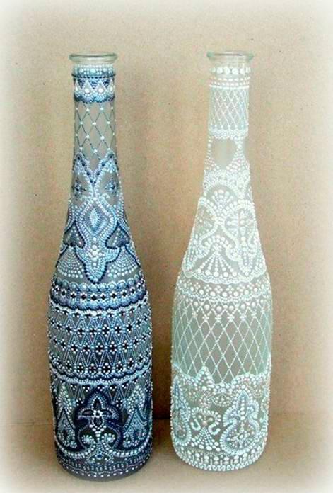 Роспись бутылок акриловыми контурами, да еще и точечная, требует аккуратности. Как красиво расписать стеклянную бутылку акриловы