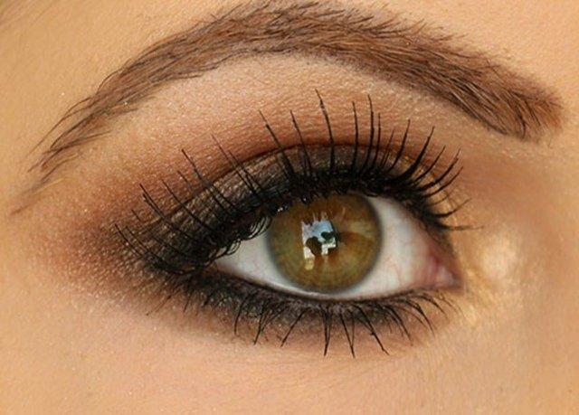 Фото макияж с коричневыми тенями