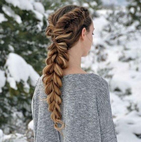 Стильные косы: яркий тренд летнего сезона