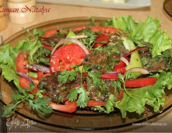 Салат с из мяса с помидорами