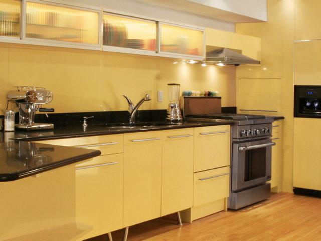 Кухня в теплых тонах  № 889822 загрузить