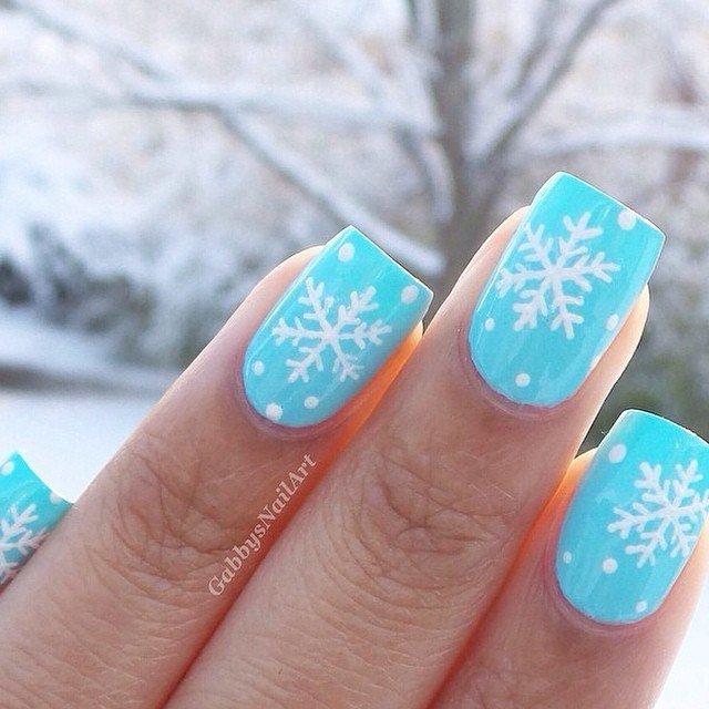 Фото зимнего маникюра гель лаком на короткие ногти