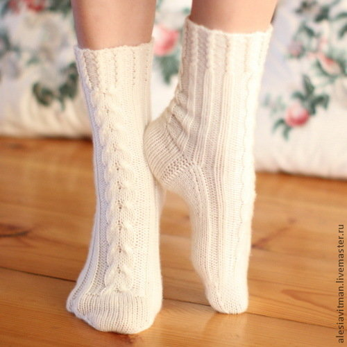 Вязание носок с косами 214