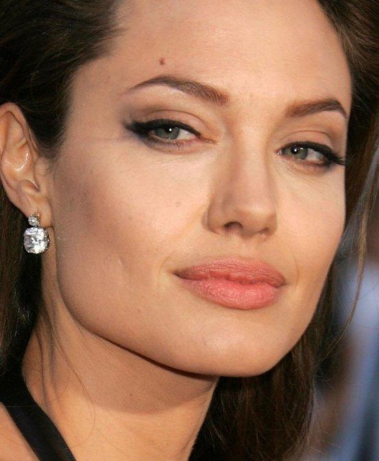 Джоли анджелина макияж