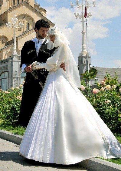 Грузинское национальное свадебное платье