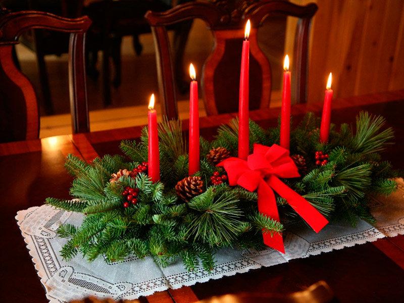 Украшаем новогодний стол своими руками фото