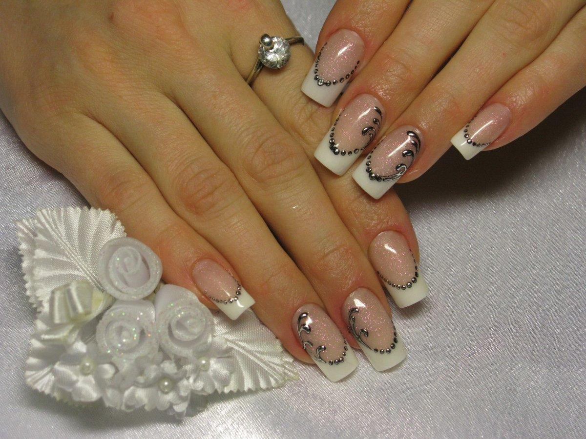 Рисунки стразами на ногтях френч фото