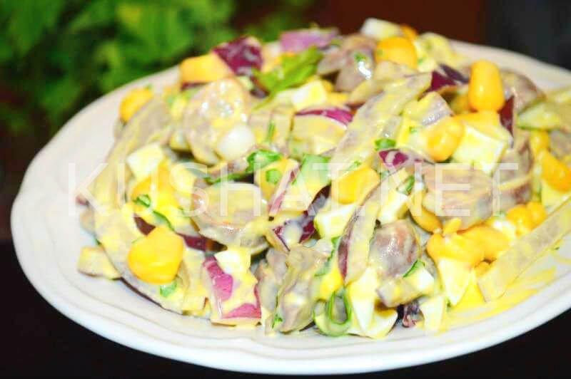 Салат с ананасом маринованным луком