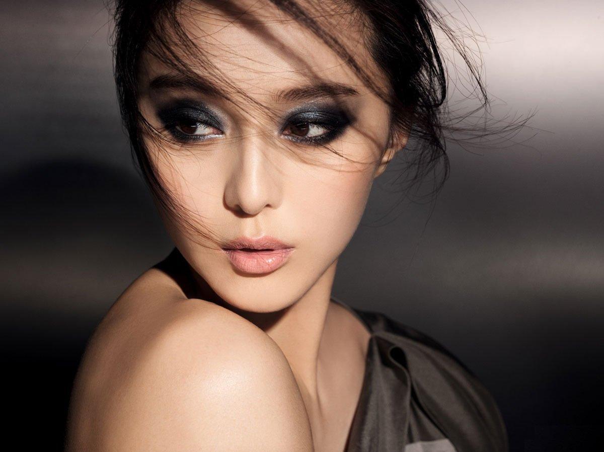 Вечерний макияж карих азиатских глаз