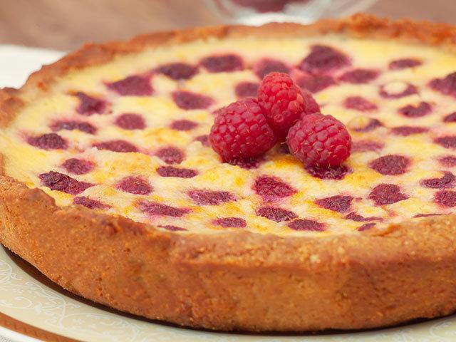 Заливной пирог с малиной замороженной рецепт с