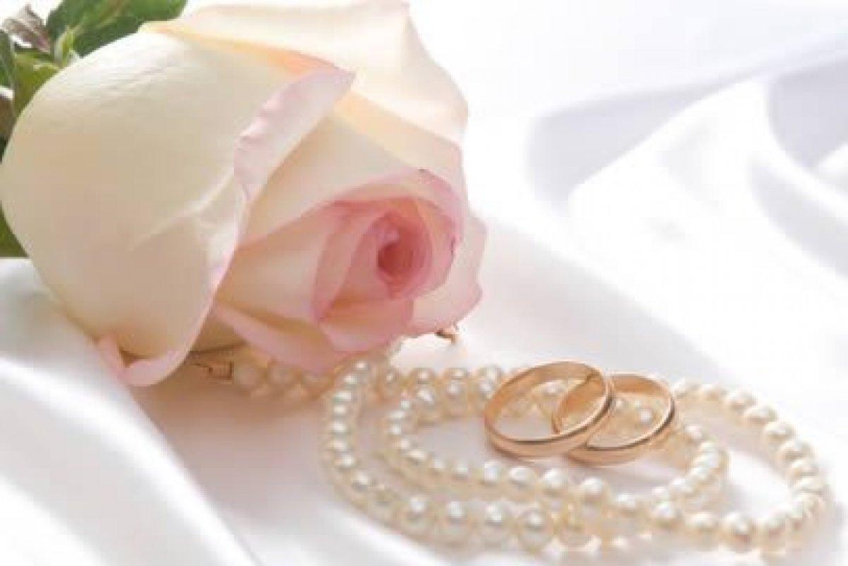 Что подарить на жемчужную свадьбу - идеи подарков родителям