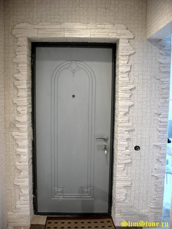 Отделка входной двери декоративная своими руками фото