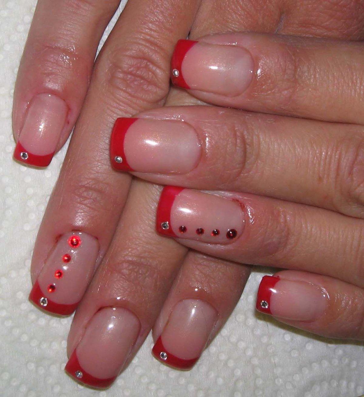 Ногти красного френча фото