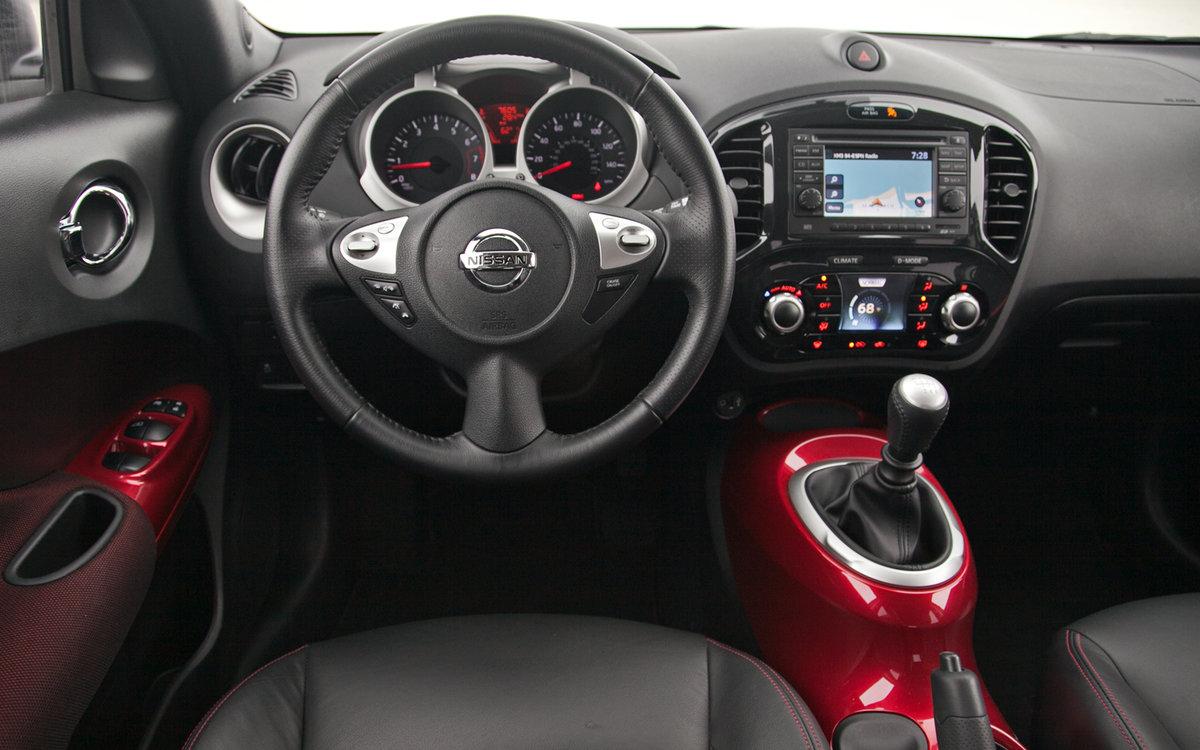 Красный салон Nissan  № 2584911 бесплатно