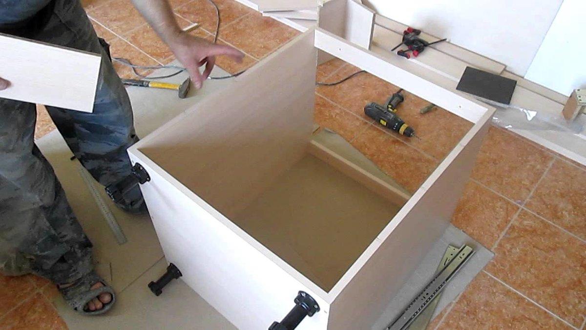 Как самостоятельно сделать кухонную мебель своими руками 71