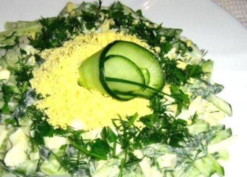 Салат яйца огурец свежий зеленый лук