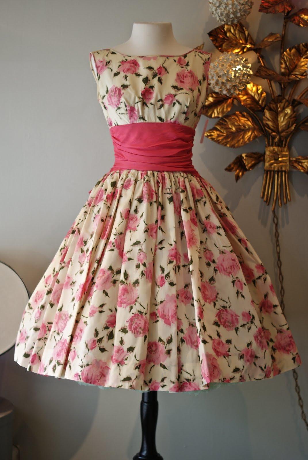 Платья в стиле 80-х годов