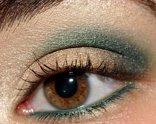 Как сделать карие глаза зеленые