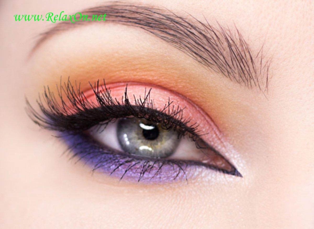 Пошаговое фото макияжа серо голубых глаз