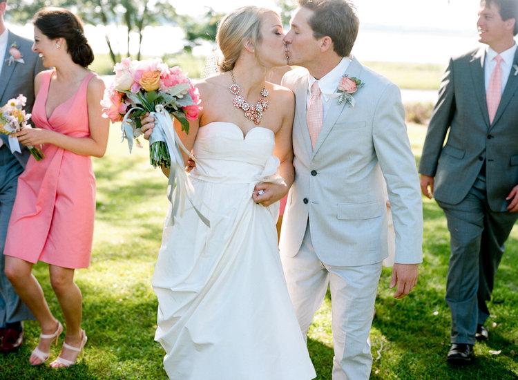 Кого можно брать в свидетели на свадьбу женатых