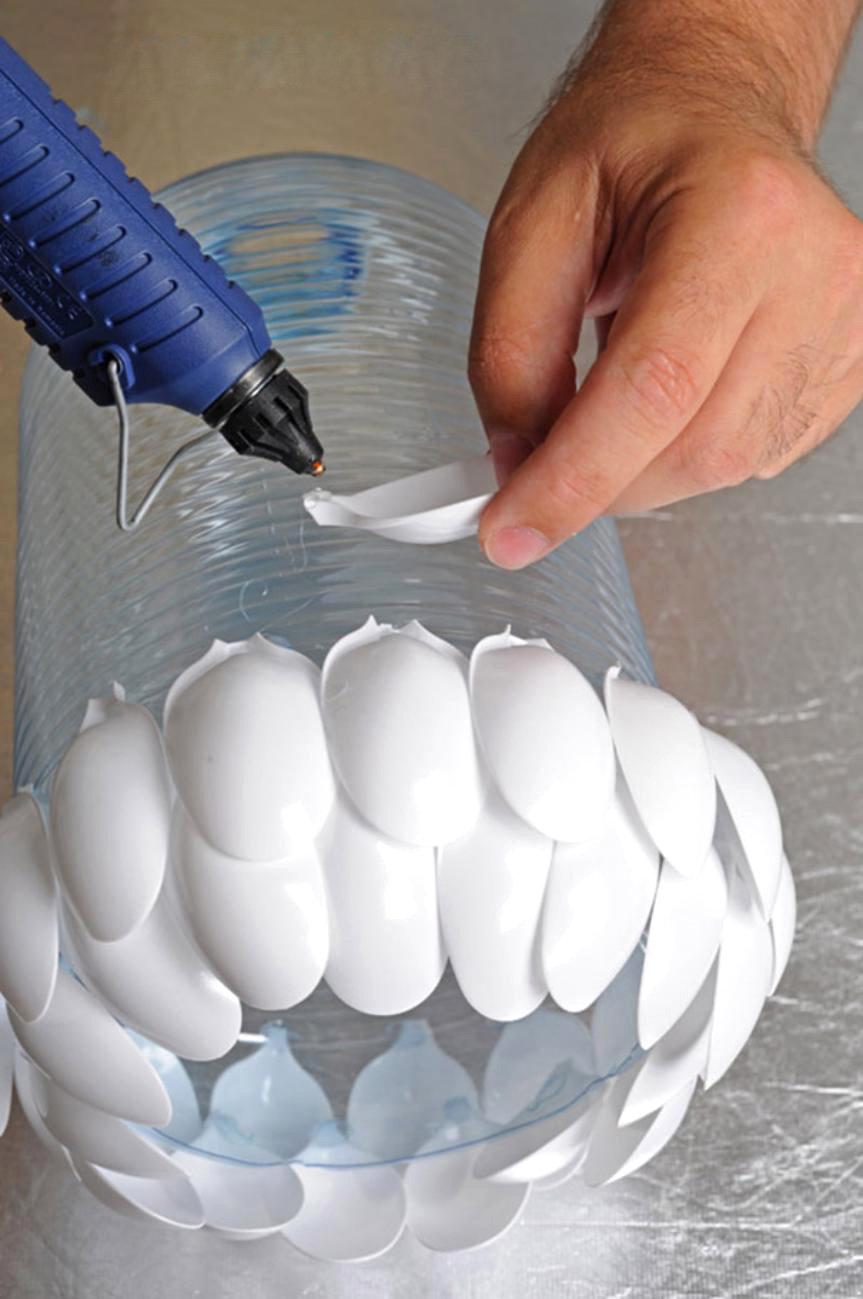 Как сделать простой светильник своими руками из подручных средств