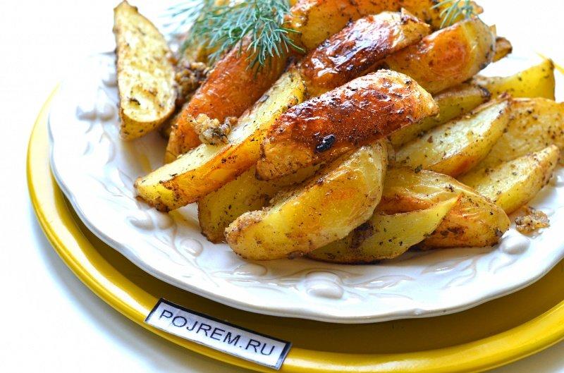В домашних условиях картошка по деревенски в духовке