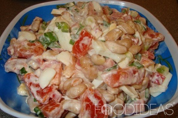 Салат с консервированной фасолью и копченой колбасой рецепт с