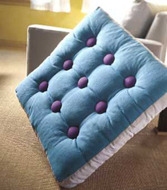Из чего сделать подушки на диван