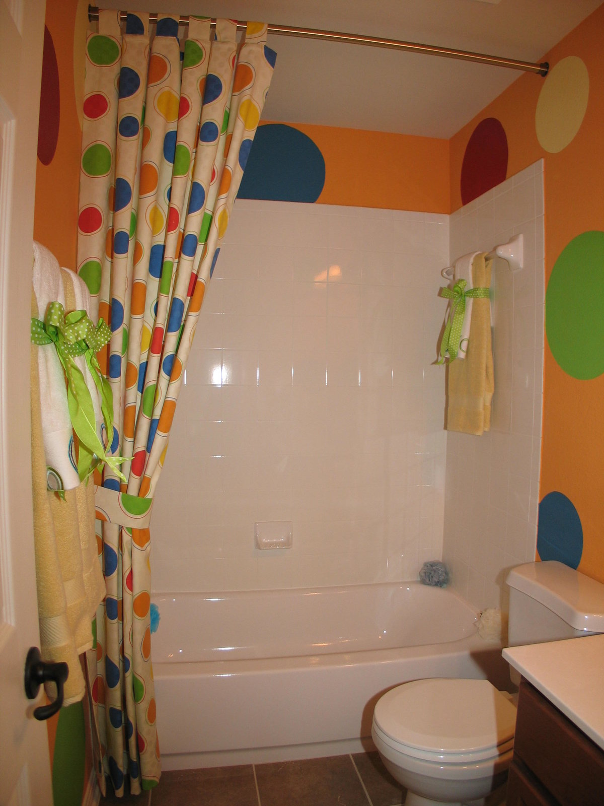 Стена в ванной своими руками фото