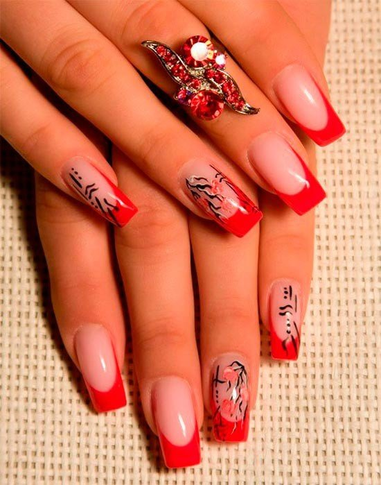 Фото красивых красных нарощенных ногтей