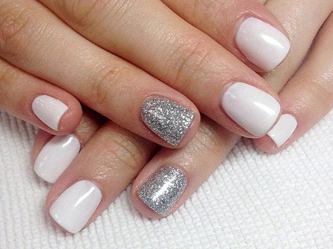 Белый дизайн ногтей шеллак на короткие ногти