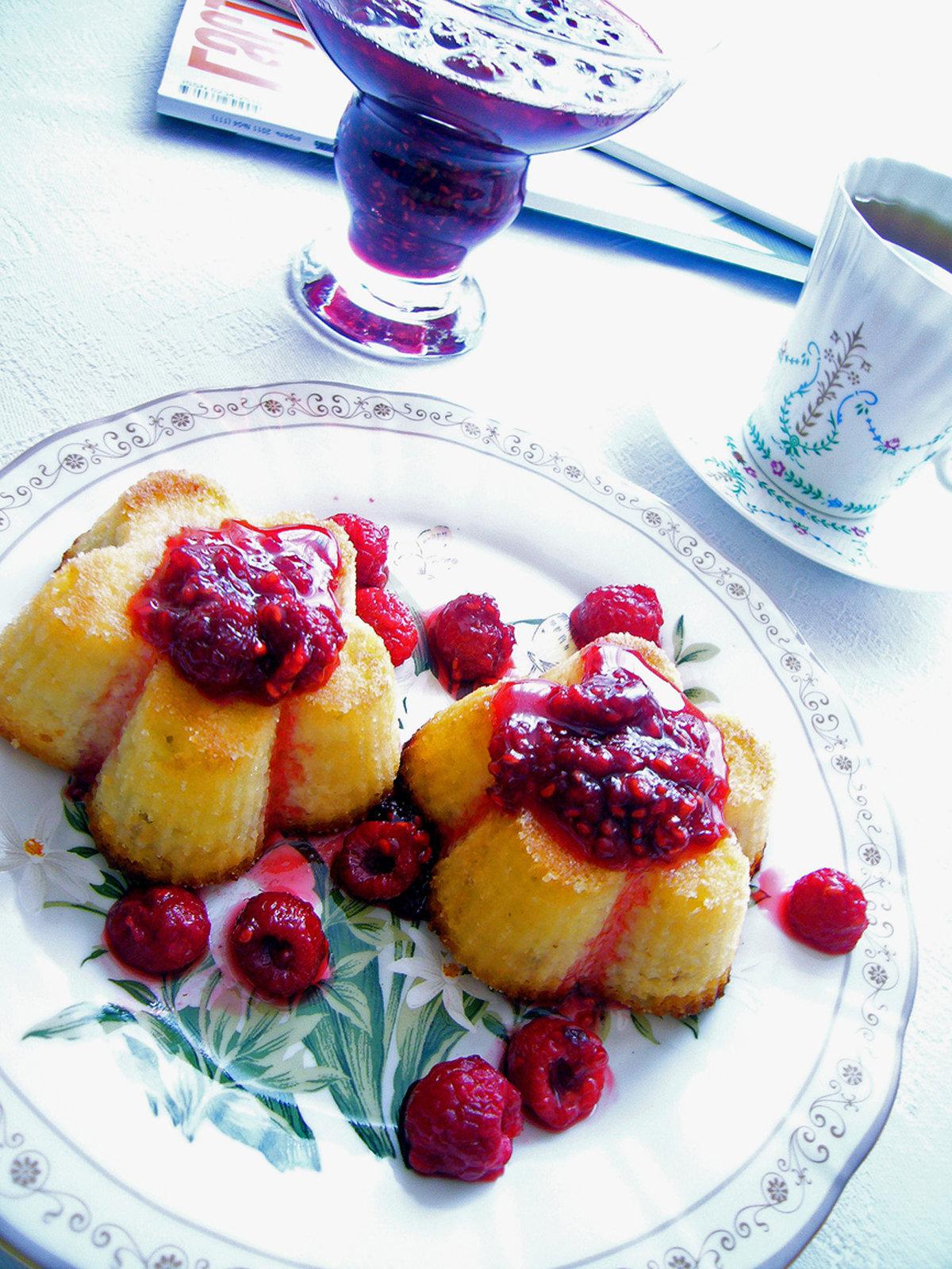 Творожные кексы с малиной рецепт
