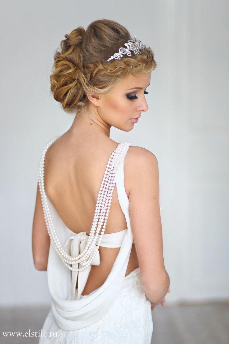 Греческая свадебная прическа с фатой на короткие