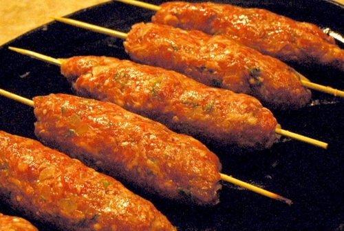 Рецепт люля-кебаб из говядины на шпажках