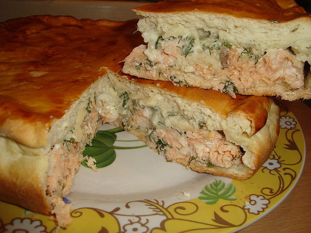 Пирог с красной рыбой в духовке пошаговый рецепт