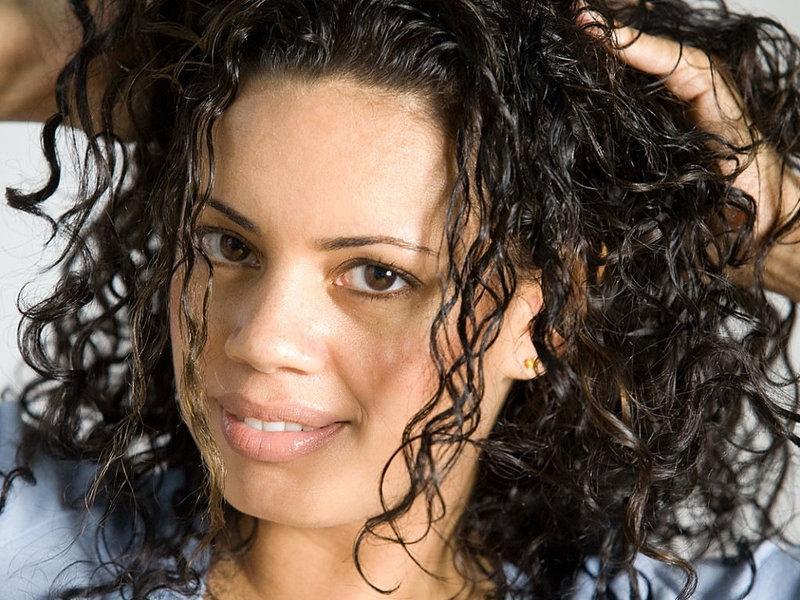 Как сделать мокрый волос волнистым