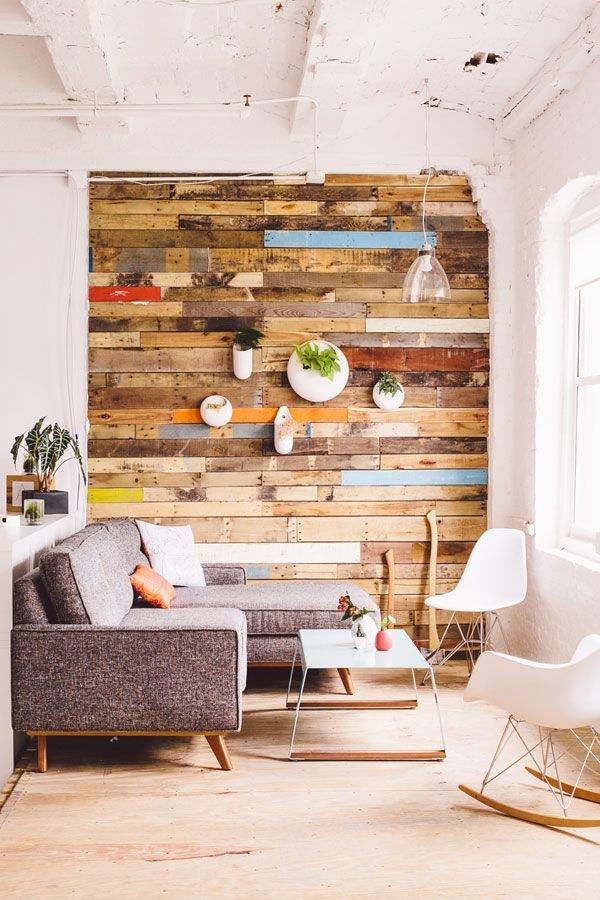 Как в квартире сделать деревянную стену в
