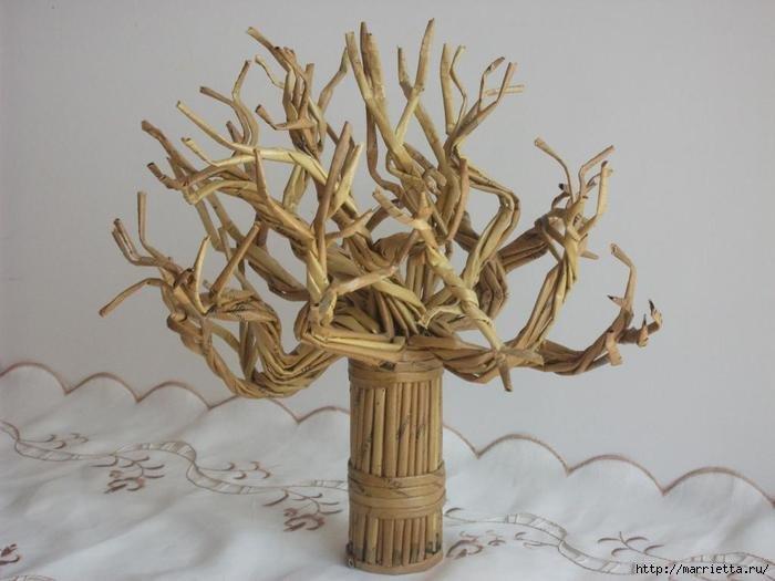 Поделка дерево из газетных трубочек